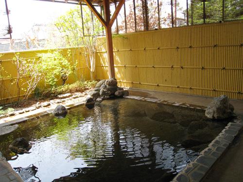 広い露天風呂!天気が良ければ富士山もみえるそう