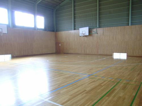 体育館の様子。バスケラインは新ルール対応済み